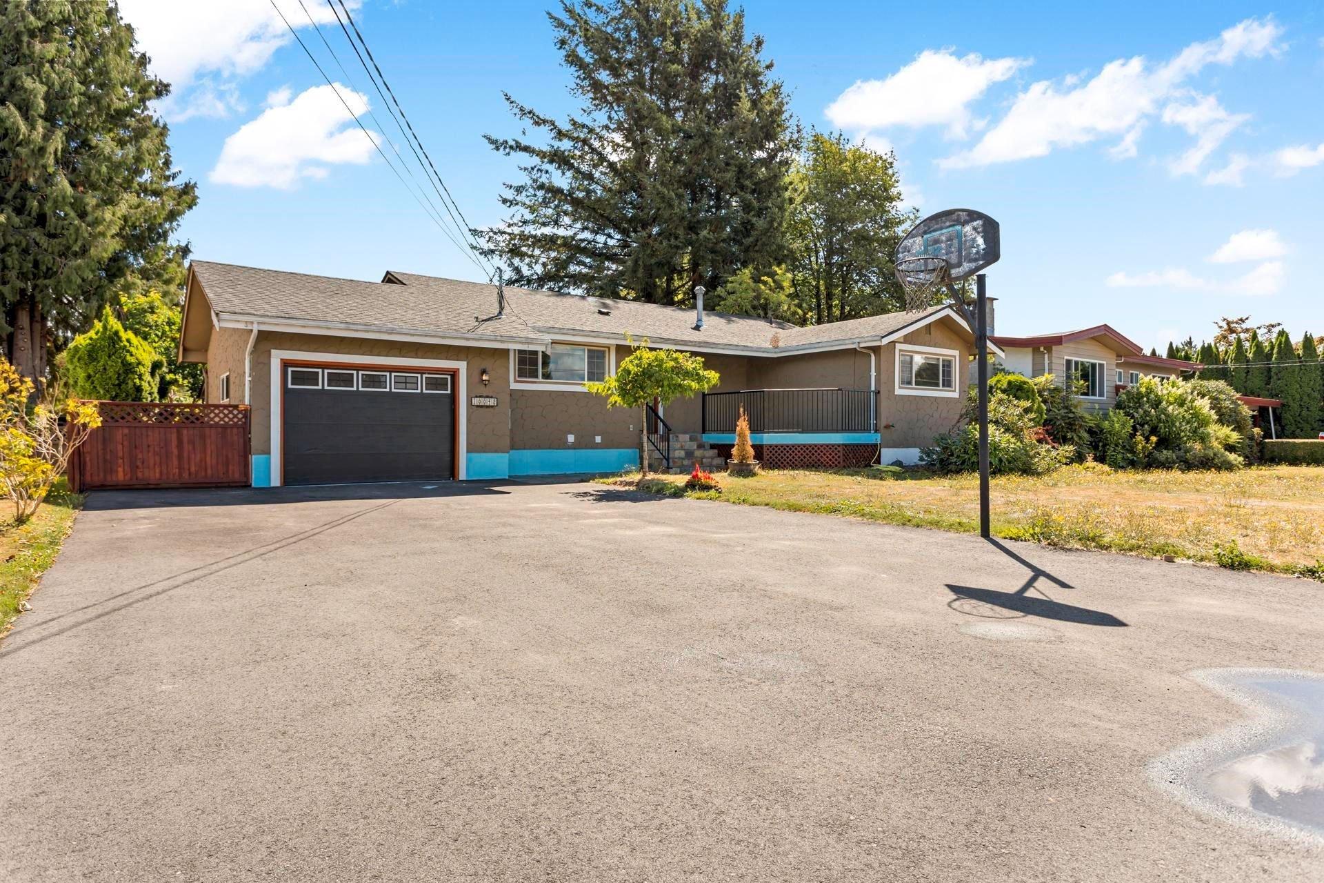 Main Photo: 10042 FAIRBANKS Crescent in Chilliwack: Fairfield Island House for sale : MLS®# R2622498