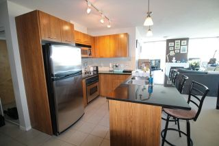 """Photo 1: 1804 1199 SEYMOUR Street in Vancouver: Downtown VW Condo for sale in """"BRAVA"""" (Vancouver West)  : MLS®# R2058991"""