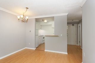 "Photo 4: 114 200 WESTHILL Place in Port Moody: College Park PM Condo for sale in ""WESTHILL PLACE"" : MLS®# R2145634"
