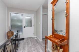Photo 3: 2429 Barbara Pl in : CS Tanner House for sale (Central Saanich)  : MLS®# 865788