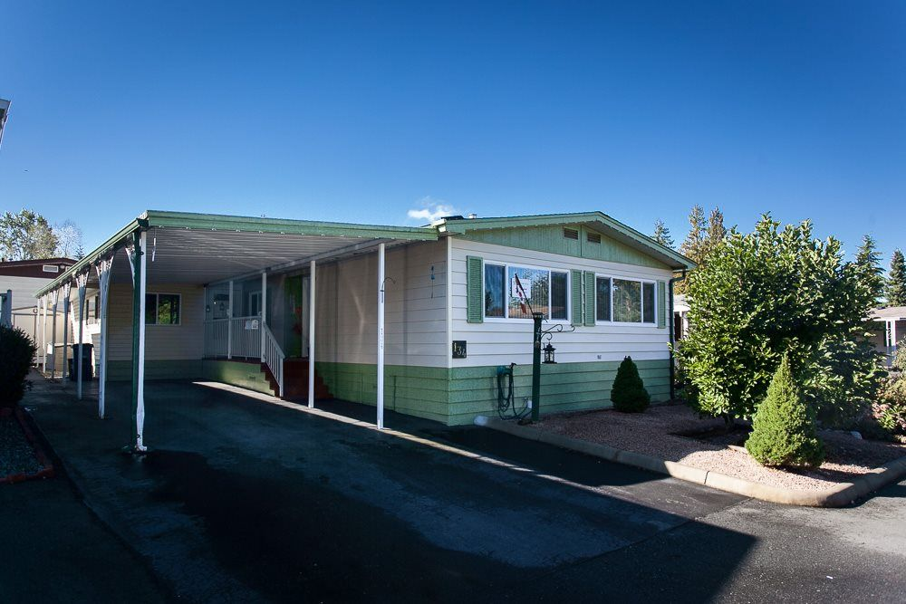 """Main Photo: 134 3665 244 Street in Langley: Otter District Manufactured Home for sale in """"LANGLEY GROVE ESTATES"""" : MLS®# R2109959"""