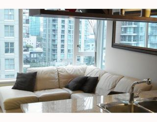 """Photo 6: 1003 1001 RICHARDS Street in Vancouver: Downtown VW Condo for sale in """"MIRO"""" (Vancouver West)  : MLS®# V738446"""