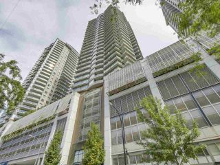 """Photo 1: 1908 892 CARNARVON Street in New Westminster: Downtown NW Condo for sale in """"AZURE 2"""" : MLS®# R2191316"""