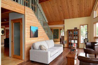 Photo 4: 5873 SKOOKUMCHUK Road in Sechelt: Sechelt District House for sale (Sunshine Coast)  : MLS®# R2202466