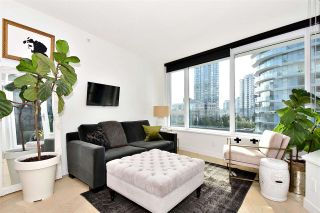 """Photo 4: 710 68 SMITHE Street in Vancouver: Downtown VW Condo for sale in """"ONE PACIFIC"""" (Vancouver West)  : MLS®# R2403870"""