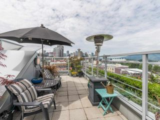 """Photo 3: 807 168 POWELL Street in Vancouver: Downtown VE Condo for sale in """"Smart"""" (Vancouver East)  : MLS®# R2587913"""