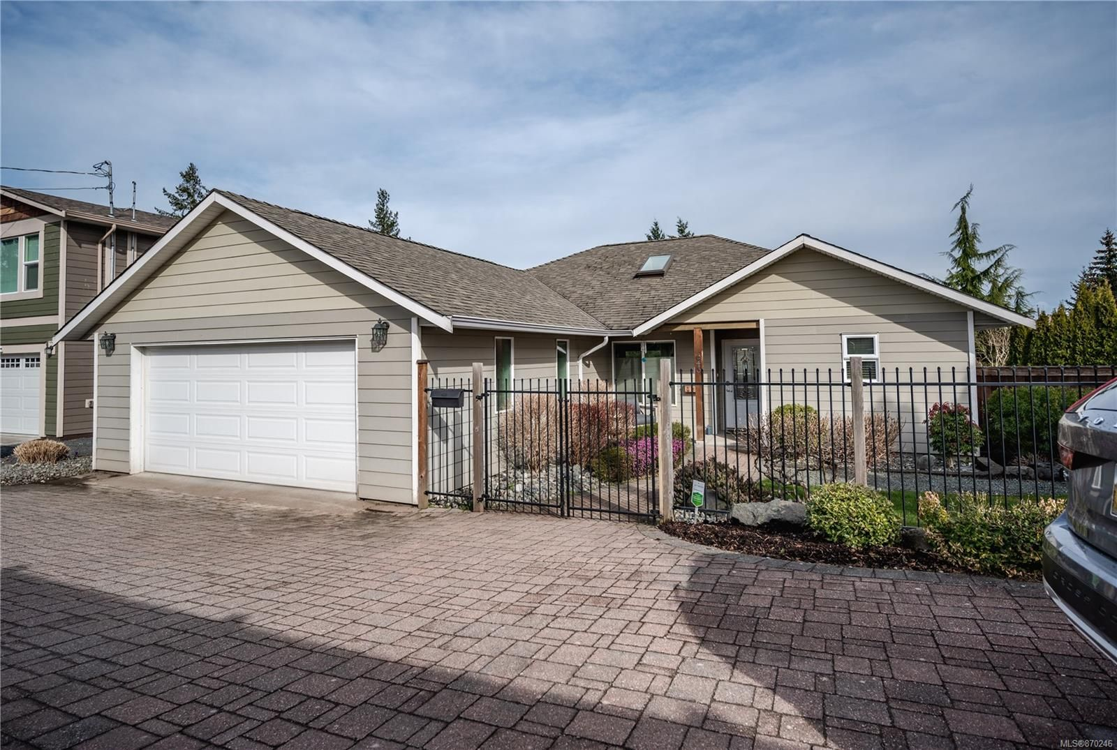 Main Photo: 643 Petersen Rd in : CR Campbell River West House for sale (Campbell River)  : MLS®# 870246
