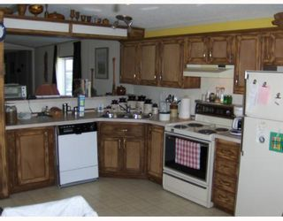 """Photo 3: 27 5125 NORTH NECHAKO Road in Prince_George: Nechako Bench Manufactured Home for sale in """"EVERGREEN TRAILER PARK"""" (PG City North (Zone 73))  : MLS®# N176575"""