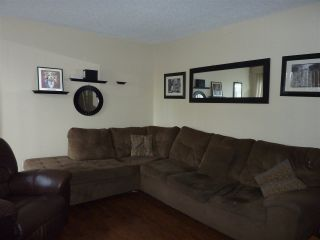Photo 2: 3 314 HIGHLAND WAY in Port Moody: North Shore Pt Moody Townhouse for sale : MLS®# R2240983