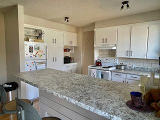 Photo 7: 27 Laval Place W in Lethbridge: Varsity Village Residential for sale : MLS®# A1083929