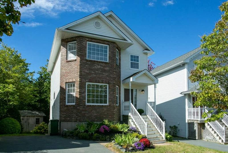 FEATURED LISTING: 12 Richardson Drive Bedford