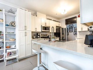 "Photo 6: 207 5 RENAISSANCE Square in New Westminster: Quay Condo for sale in ""LIDO"" : MLS®# R2442124"