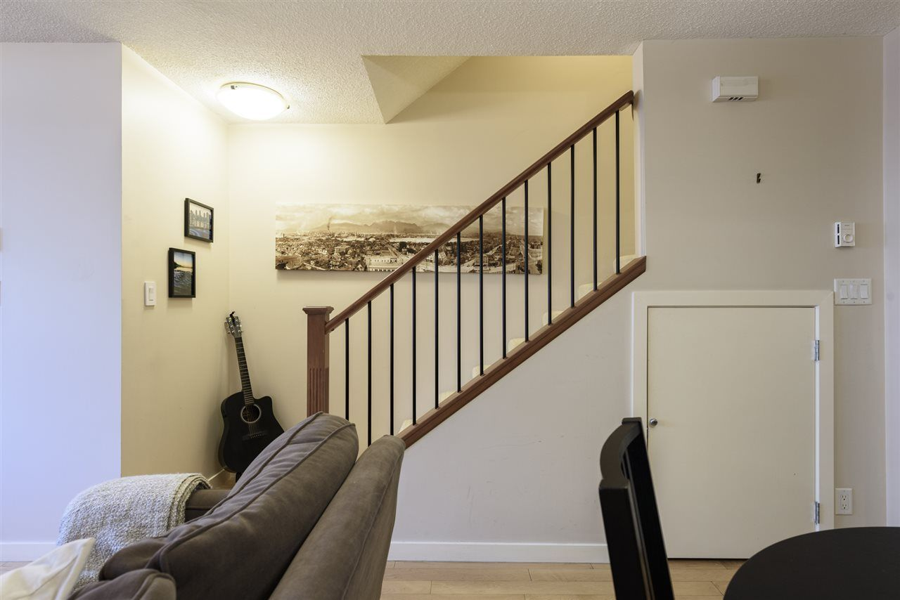 Photo 5: Photos: 1644 W 7TH AVENUE in Vancouver: Fairview VW Townhouse for sale (Vancouver West)  : MLS®# R2543861