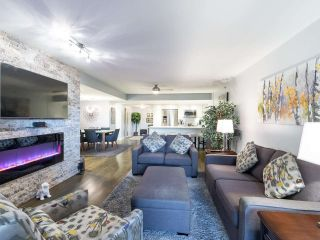"""Photo 1: 211 2665 W BROADWAY in Vancouver: Kitsilano Condo for sale in """"MAGUIRE BUILDING"""" (Vancouver West)  : MLS®# R2550864"""