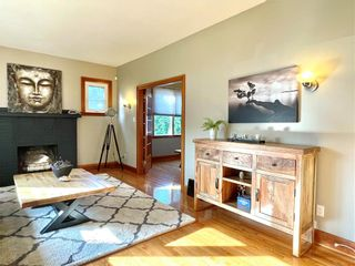Photo 3: 216 3rd Avenue Southwest in Dauphin: R30 Residential for sale (R30 - Dauphin and Area)  : MLS®# 202121839