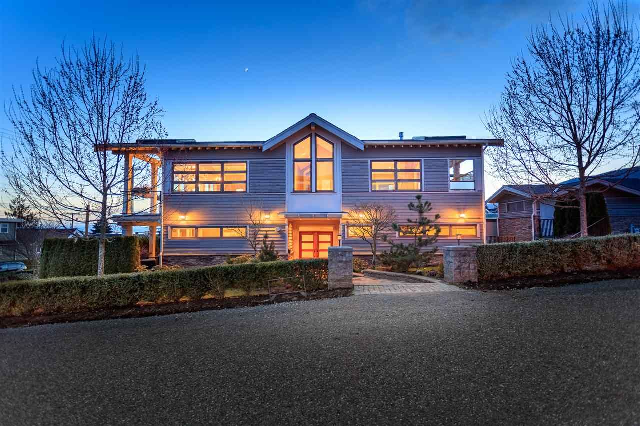 Main Photo: 1205 CLYDE Avenue in West Vancouver: Ambleside House for sale : MLS®# R2199161