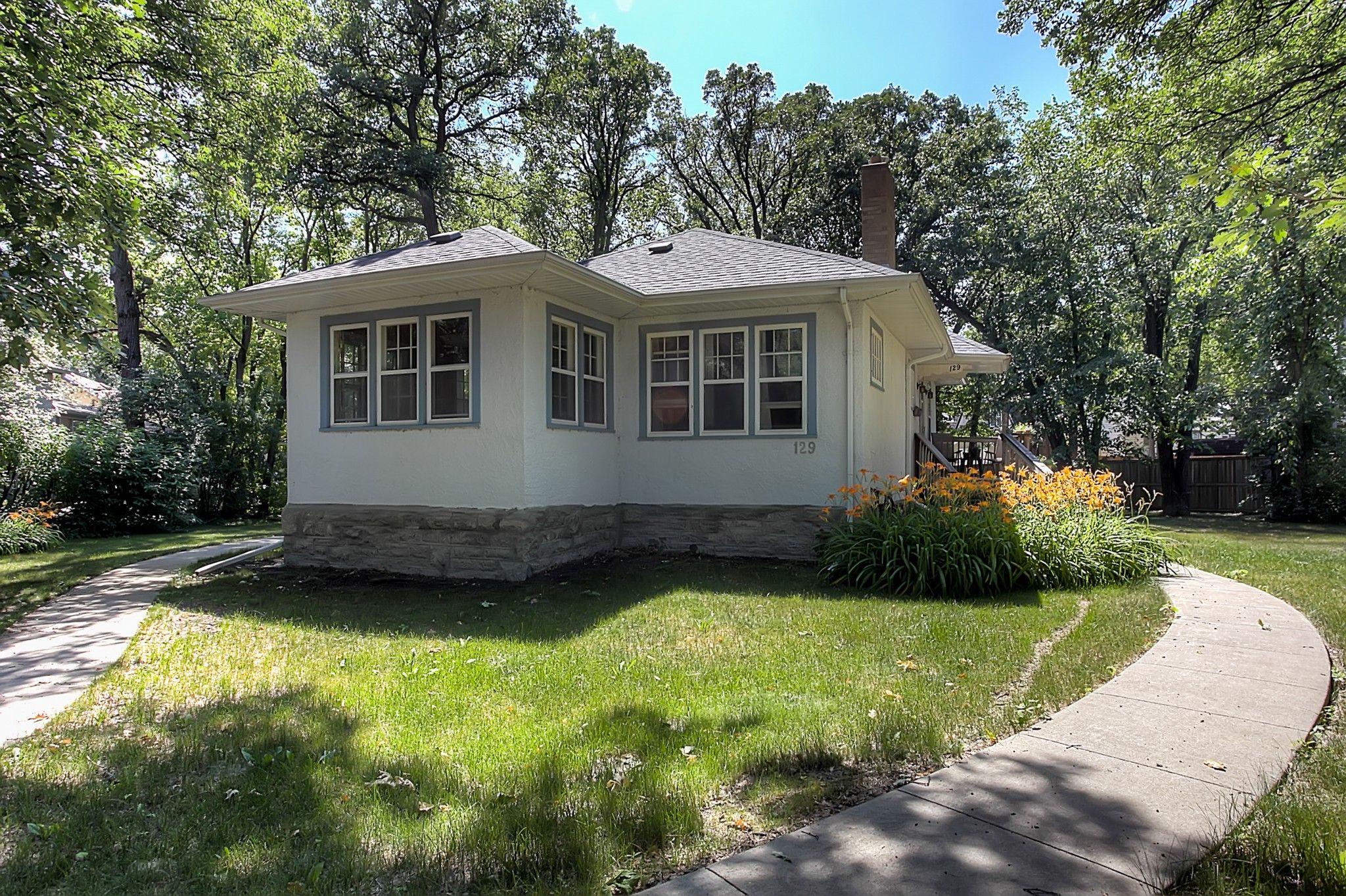 Main Photo: 129 Lanark Street in Winnipeg: River Heights North Single Family Detached for sale (1C)  : MLS®# 1922183