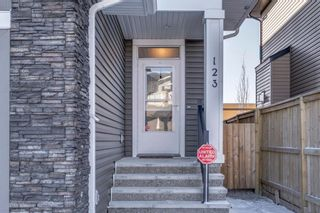Photo 2: 123 Evanswood Circle NW in Calgary: Evanston Semi Detached for sale : MLS®# A1051099