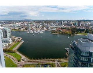 """Photo 1: # 4102 1408 STRATHMORE MEWS in Vancouver: False Creek North Condo for sale in """"west One"""" ()  : MLS®# V886987"""