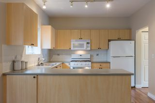 Photo 2: 6655 205A Street in Langley: Willoughby Heights House for sale : MLS®# R2115743