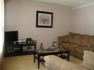 Photo 2: 451 MELBOURNE Avenue in WINNIPEG: East Kildonan Residential for sale (North East Winnipeg)  : MLS®# 1403957