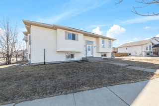 Photo 2: 229 Plamondon Drive: Fort McMurray Detached for sale : MLS®# A1089481