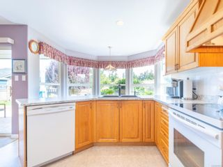 Photo 11: 810 Arrowsmith Way in : PQ French Creek House for sale (Parksville/Qualicum)  : MLS®# 884859