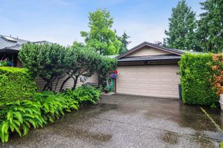 """Photo 1: 10 15174 20TH Avenue in Surrey: Sunnyside Park Surrey Townhouse for sale in """"ROSE GATE"""" (South Surrey White Rock)  : MLS®# R2464674"""