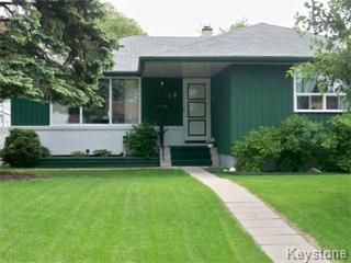 Photo 1: 18 Antoine Avenue in Winnipeg: Westwood / Crestview Single Family Detached for sale (West Winnipeg)  : MLS®# 1111905