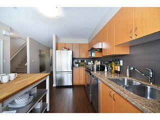 """Photo 9: 18 1268 RIVERSIDE Drive in Port Coquitlam: Riverwood Townhouse for sale in """"SOMERSTON LANE"""" : MLS®# V1045119"""