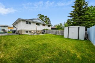 Photo 2: 313 42 Street SE in Calgary: Forest Heights Semi Detached for sale : MLS®# A1118275