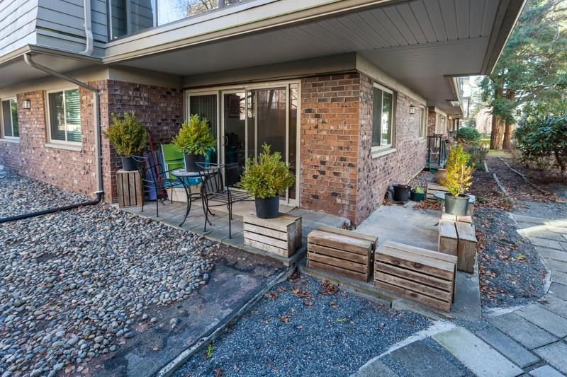 "Photo 14: Photos: 108 1429 MERKLIN Street: White Rock Condo for sale in ""Kensington Manor"" (South Surrey White Rock)  : MLS®# R2135668"