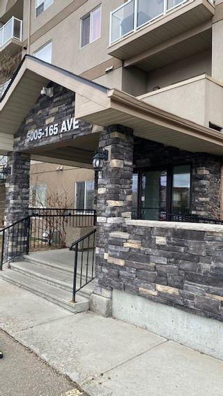 Photo 2:  in Edmonton: Zone 03 Condo for sale : MLS®# E4239077
