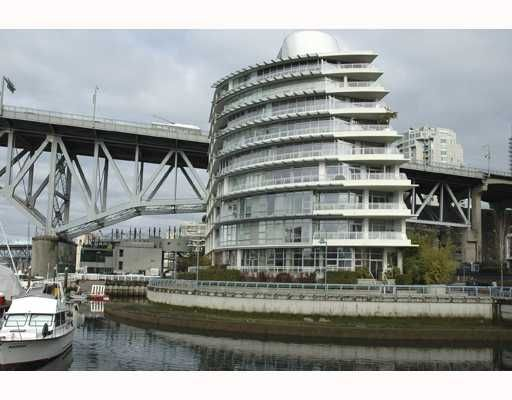 "Main Photo: 616 KINGHORNE MEWS BB in Vancouver: False Creek North Condo for sale in ""SLIVER SEA"" (Vancouver West)  : MLS®# V754390"