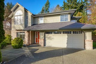 Photo 1: 1015 Kingsley Cres in : CV Comox (Town of) House for sale (Comox Valley)  : MLS®# 863162