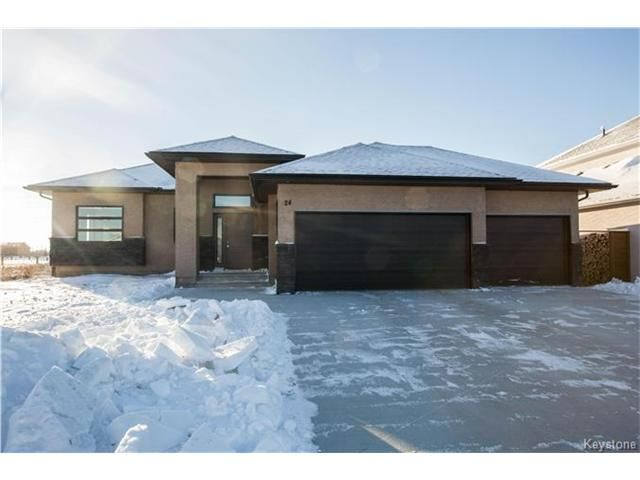 Main Photo: 24 ORCHARD HILL Drive in Mitchell: R16 Residential for sale : MLS®# 1630692