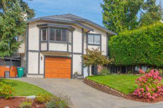 Photo 1: 770 Mann Ave in Saanich: SW Royal Oak House for sale (Saanich West)  : MLS®# 855881