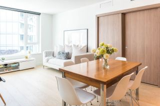 """Photo 6: 1502 68 SMITHE Street in Vancouver: Downtown VW Condo for sale in """"ONE PACIFIC"""" (Vancouver West)  : MLS®# R2550414"""