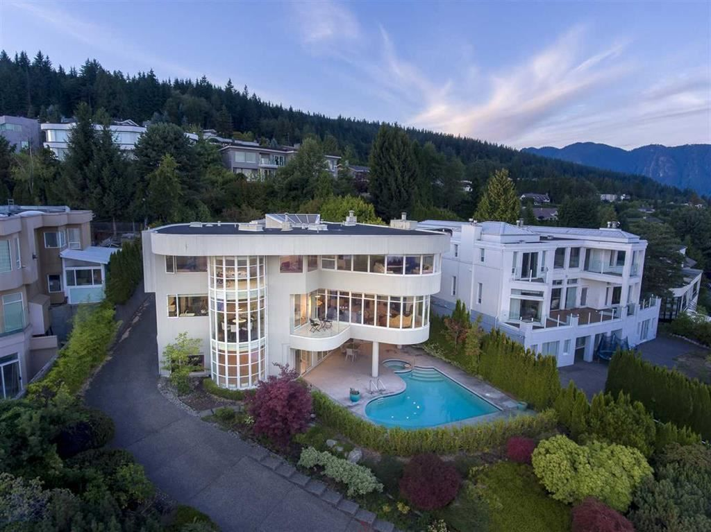 Main Photo: 1449 BRAMWELL Road in West Vancouver: Chartwell House for sale : MLS®# R2573224