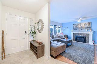 Photo 3: 102 14271 18A Avenue in Surrey: Sunnyside Park Surrey Townhouse for sale (South Surrey White Rock)  : MLS®# R2496480