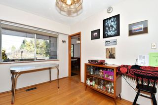 Photo 5: 2627 E 56TH Avenue in Vancouver: Fraserview VE House for sale (Vancouver East)  : MLS®# R2243250