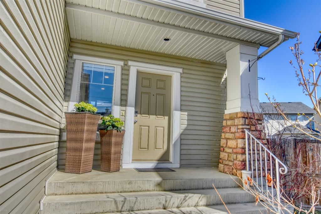 Photo 3: Photos: 66 Bridlerange Circle SW in Calgary: Bridlewood Detached for sale : MLS®# A1099758