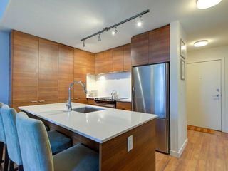"Photo 2: 506 1677 LLOYD Avenue in North Vancouver: Pemberton NV Condo for sale in ""District Crossing"" : MLS®# R2624695"