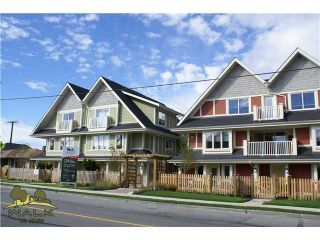 """Photo 1: 11 327 E 33RD Avenue in Vancouver: Main Townhouse for sale in """"WALK TO MAIN"""" (Vancouver East)  : MLS®# V868106"""