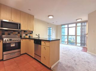 Main Photo: 905 819 HAMILTON Street in Vancouver: Downtown VW Condo for sale (Vancouver West)  : MLS®# R2509876