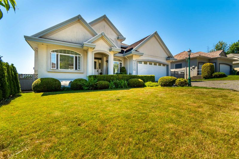 FEATURED LISTING: 36312 COUNTRY Place Abbotsford