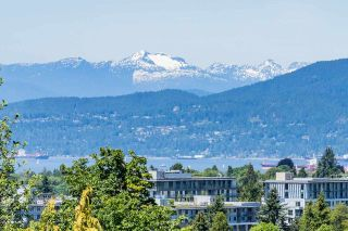 Photo 3: 1818 W 34TH Avenue in Vancouver: Quilchena House for sale (Vancouver West)  : MLS®# R2615405