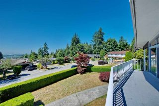 Photo 5: 4821 CARSON Place in Burnaby: South Slope House for sale (Burnaby South)  : MLS®# R2192145