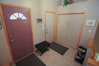 Photo 2: Great 3 bedroom, 1400 sqft, family home in great area of Kildonan Estates!