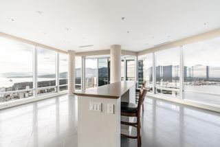 """Photo 4: 5802 1128 W GEORGIA Street in Vancouver: West End VW Condo for sale in """"LIVING SHANGRI-LA"""" (Vancouver West)  : MLS®# R2617267"""